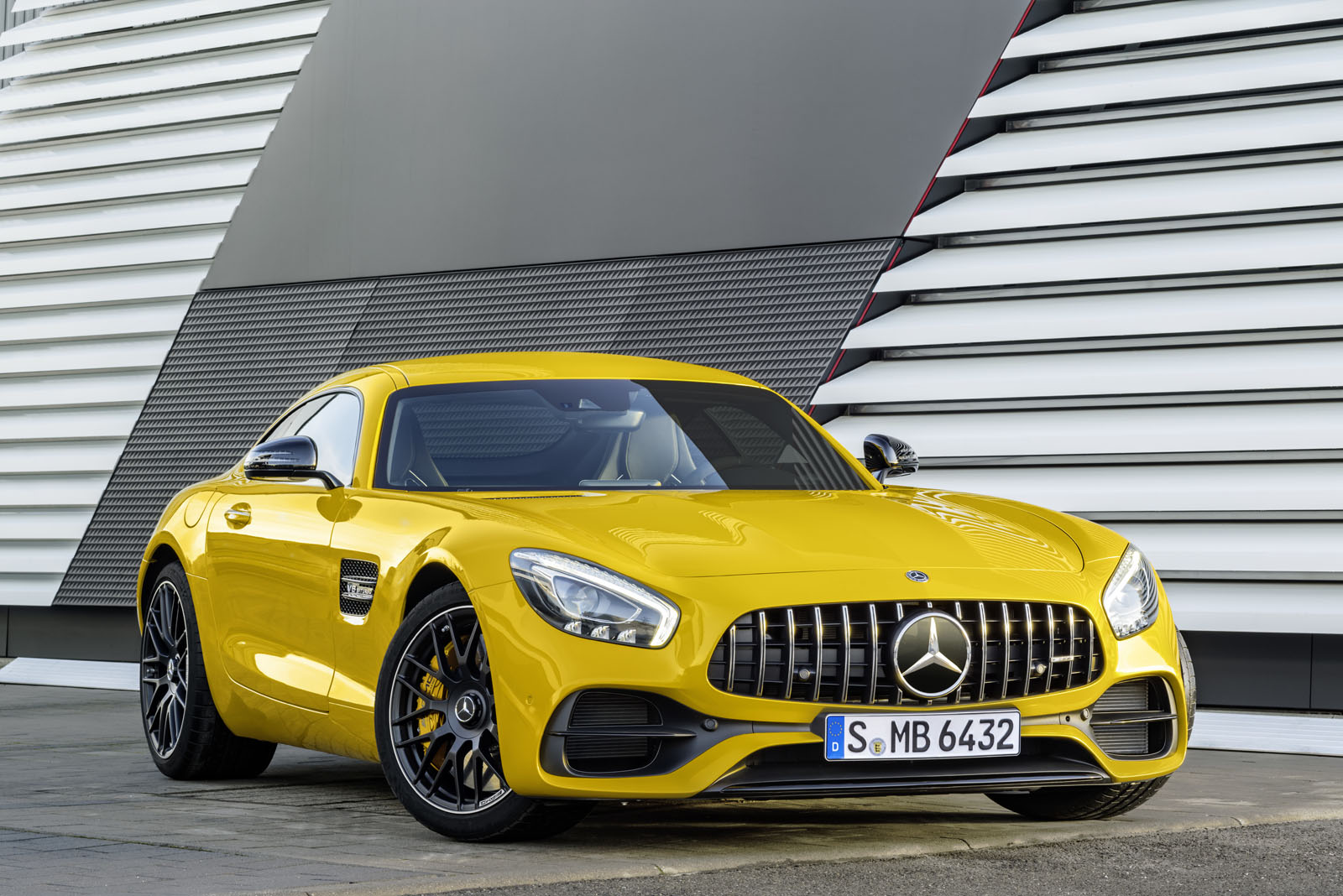 MERCEDES-BENZ AMG GT COUPÉ