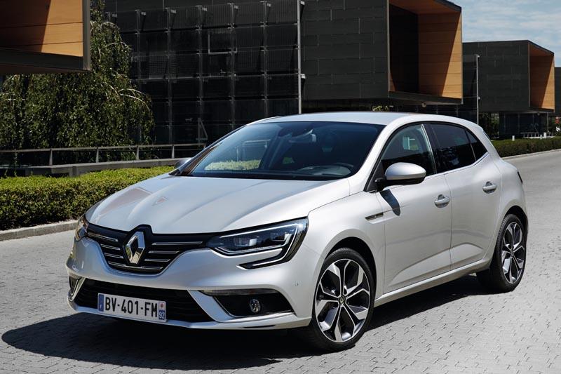 Precios de Renault MÉGANE BERLINA 2016